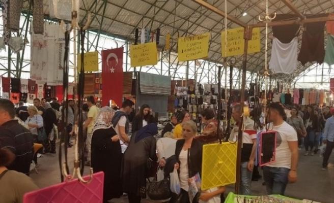 Pazarcılar sosyete pazarının hafta içine alınmasını istemiyor