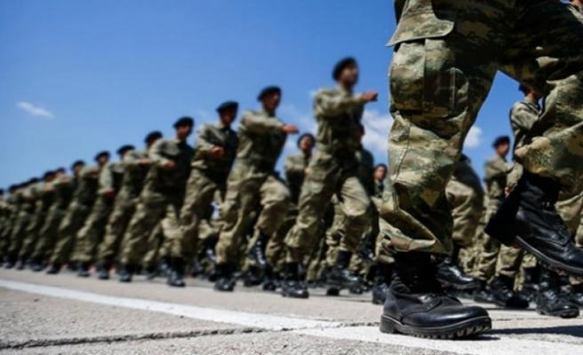 Yeni askerlik kanununa onay