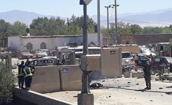 Afganistan'da Cumhurbaşkanı Gani'nin mitingine bombalı saldırı