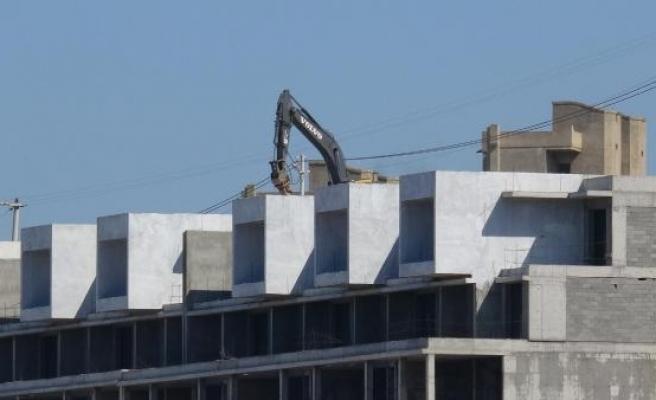 Bodrum'daki o projenin rezidans kısmındaki blokları yıkılıyor