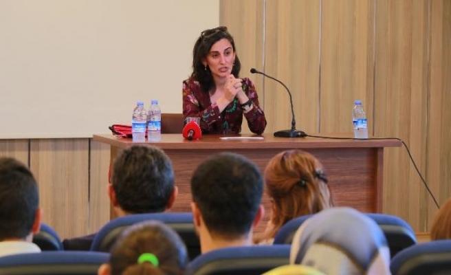 Dr. Canan Dağdeviren'den meme kanserinde erken teşhis yapan 'elektronik sütyen' projesi