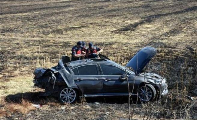 Mersin Belediye Başkanı'nın konvoyunda kaza