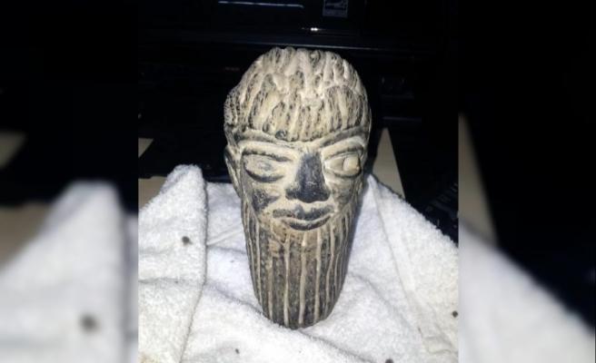 Asur Uygarlığı'na ait heykelle yakalanan 2 şüpheliye gözaltı