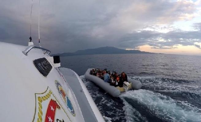 Ayvacık açıklarında 42 kaçak göçmen yakalandı