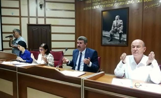 Belediye Meclisi'nden Barış Pınarı Harekâtı için zafer duası