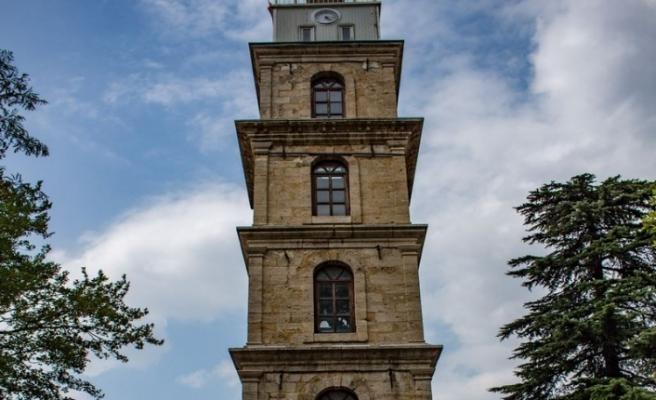 Bursa'da Zamanın Göstergesi: Saat Kulesi