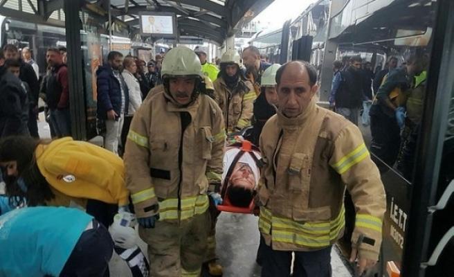 İstanbul'da feci kaza! Yaralılar var