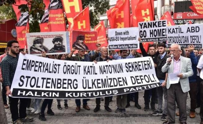 NATO genel sekreterini protesto ettiler