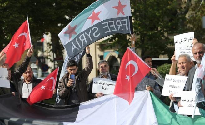 Suriyelilerden Türk Ordusu'na destek
