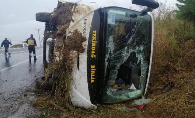 Tekirdağ'da işçi midibüsü devrildi: 8 yaralı