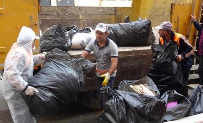 Image result for Kartal'da 80 yaşındaki kadının evinden 4 kamyon çöp çıktı
