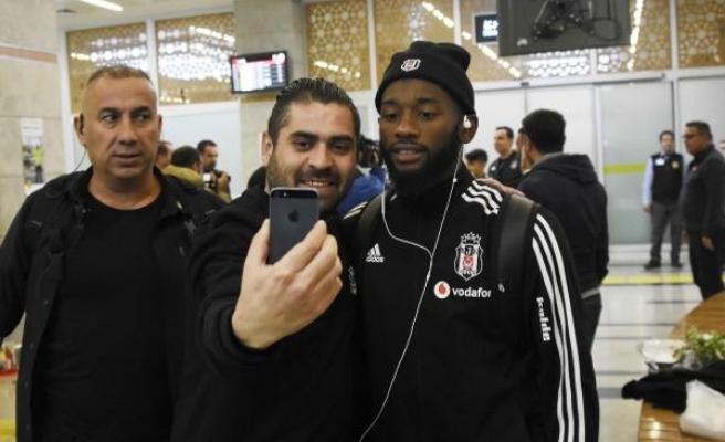 Beşiktaş kafilesine Konya'da coşkulu karşılama