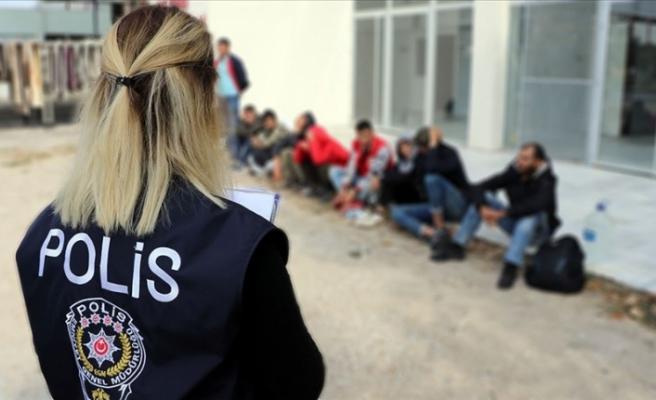 Düzensiz göçle  gelen 42 bin 888 kişi geri gönderildi