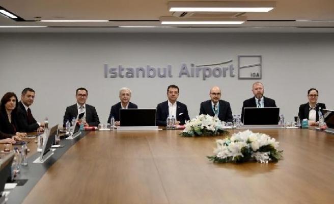 Ekrem İmamoğlu, İstanbul Havalimanı yöneticileriyle bir araya geldi