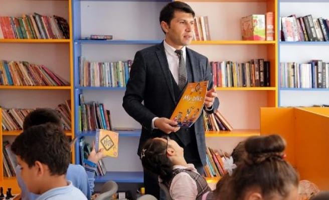 Pes etmeyen öğretmenlerin başarı hikayeleri ölümsüzleştirildi