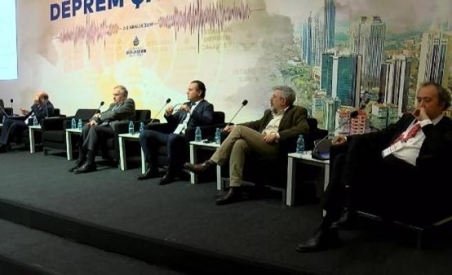 İstanbul'un deprem tehlikesi çalıştayda konuşuldu