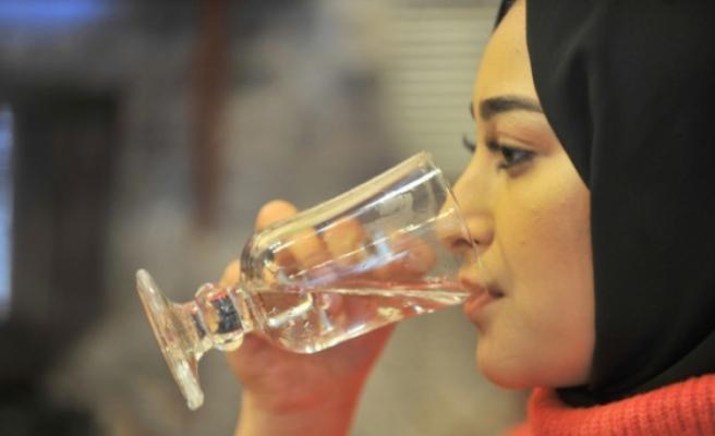 """""""Aşırı ve bilinçsizce su tüketimi ölüme sebep olabilir"""""""