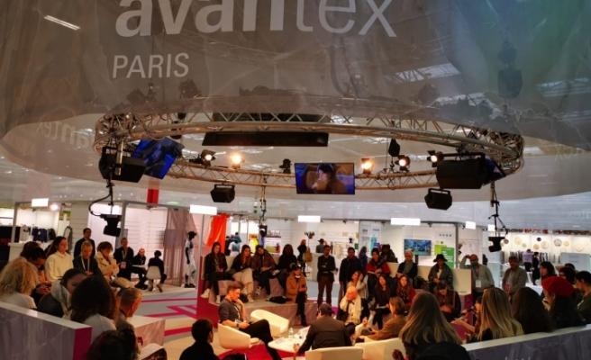 Paris'te, Türk tekstil ürünleri tanıtıldı