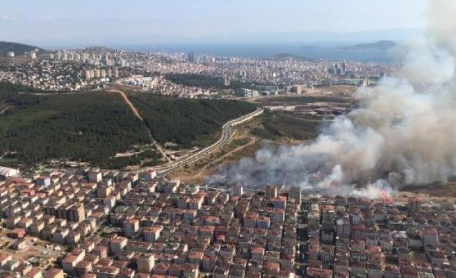 Maltepe'de askeriyenin içindeki otluk alanda yangın (1)