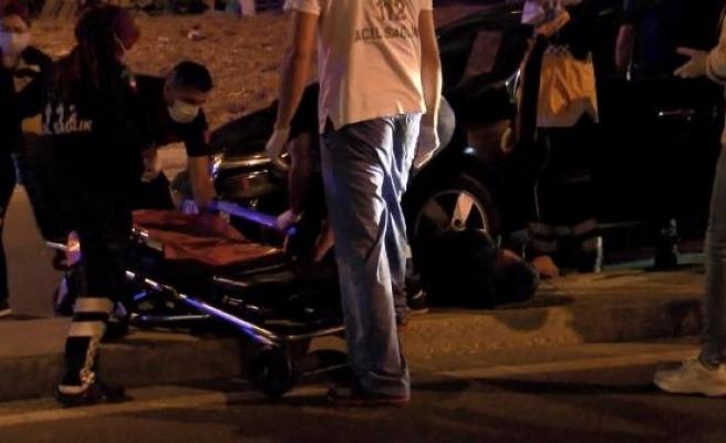 Bağcılar'da otomobile silahlı saldırı: 1 ölü, 1 yaralı