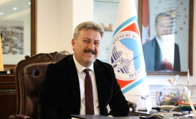 Başkan Dr. Palancıoğlu Kayserili sporcu Turgay Bayram'ı tebrik etti
