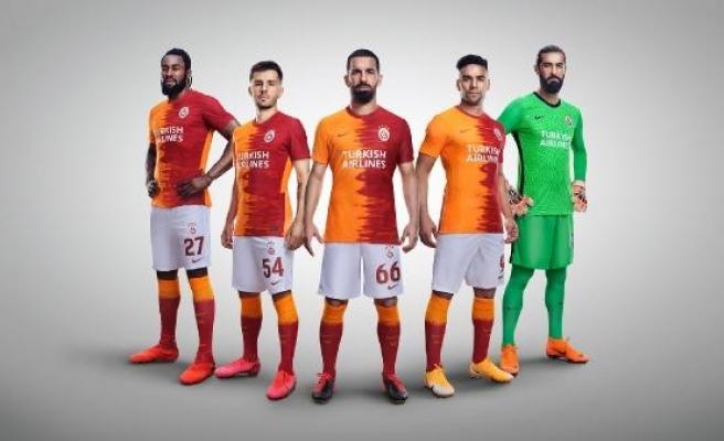 Galatasaray'ın Avrupa maçlarındaki forma sponsoru yeniden THY oldu