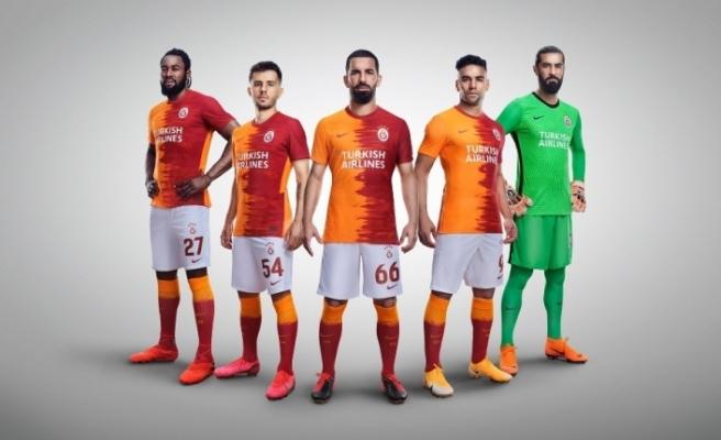 Galatasaray'ın Avrupa kupalarındaki forma sponsoru Türk Hava Yolları