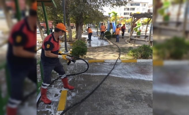 Iğdır'da parklar dezenfekte ediliyor