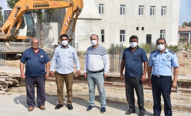 İncirliova Belediyesi Acarlar'da yol bakım ve onarım çalışmalarına devam ediyor