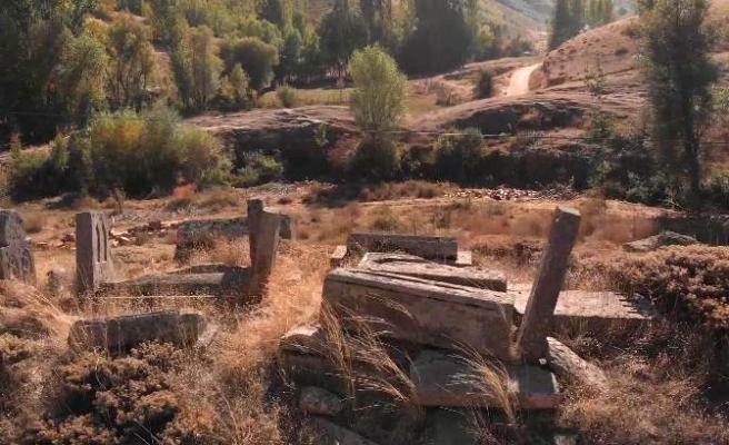 800 yıllık tarihi mezarlar gün yüzüne çıkarılmayı bekliyor