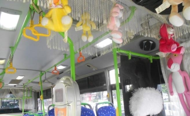 Abart egzozlu süslü halk otobüsü trafikten men edildi
