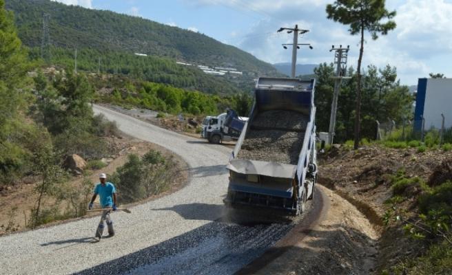 Alanya Demirtaş-Büyükpınar-Yeşilöz yolu asfaltlanıyor