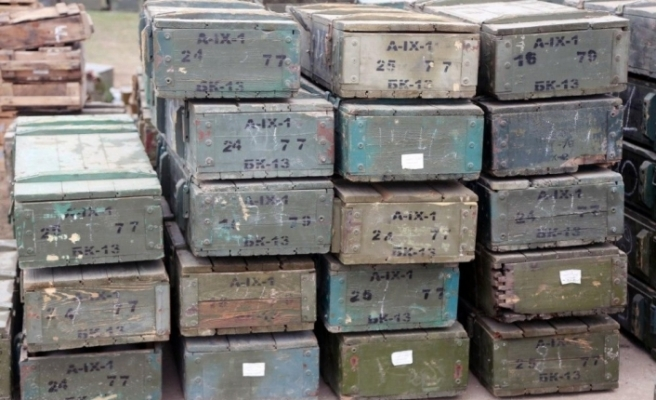 Azerbaycan, Fuzuli'de Ermenistan'a ait askeri teçhizat ve araçlar ele geçirdi