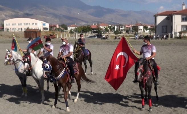 Ciritçiler Azerbaycan'a destek için sahaya çıktı
