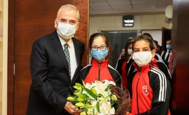 Denizli Büyükşehir Belediyespor ailesinden Başkan Zolan'a ziyaret