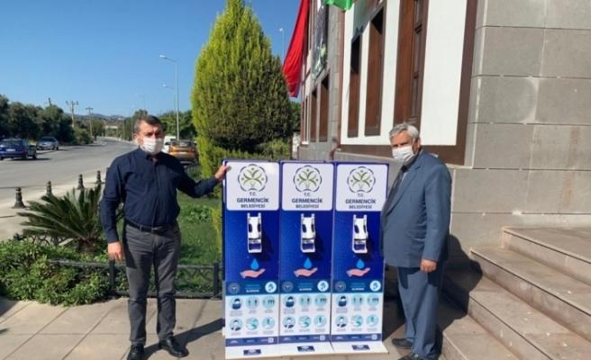 Germencik Belediye Başkanı Öndeş'ten okullara dezenfekte standı