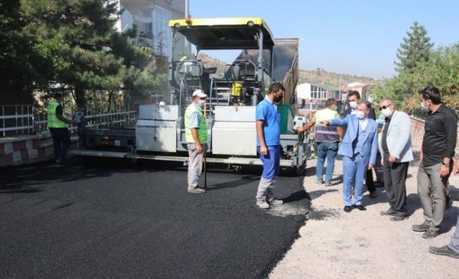 Hacılar'da yol yapım çalışmaları tam gaz devam ediyor