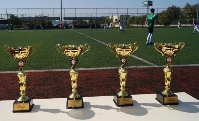 'İyilikte Buluşalım Futbol Şöleni'nde kazanan dostluk oldu