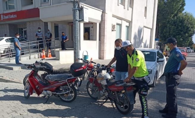 Karaisalı'da uygunsuz motosikletler toplanıyor