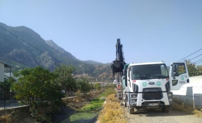 Manisa merkezde 9 kilometrelik dere temizlik çalışmasına başlandı