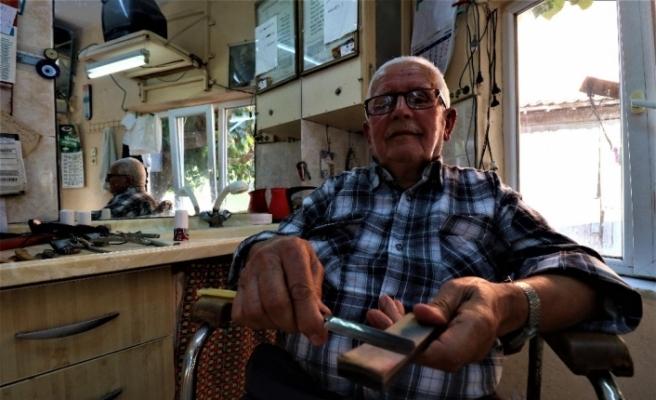 (Özel) 66 yıldır ekmeğini makas ve usturadan çıkarıyor