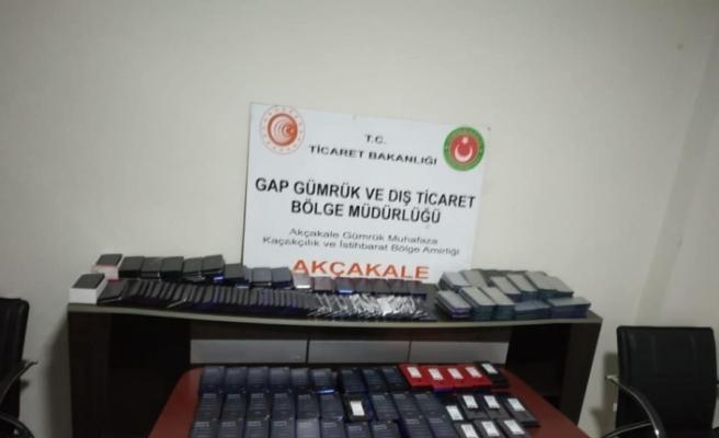 Şanlıurfa'da 700 bin lira değerinde gümrük kaçağı telefon ele geçirildi