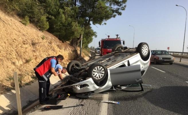 Seyir halinde takla atan aracın sürücüsü yaralandı