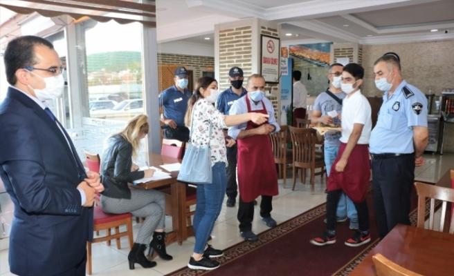 Sultanbeyli Kaymakamlığı ilçede bulunan 309 lokanta ve kafenin tamamını denetledi