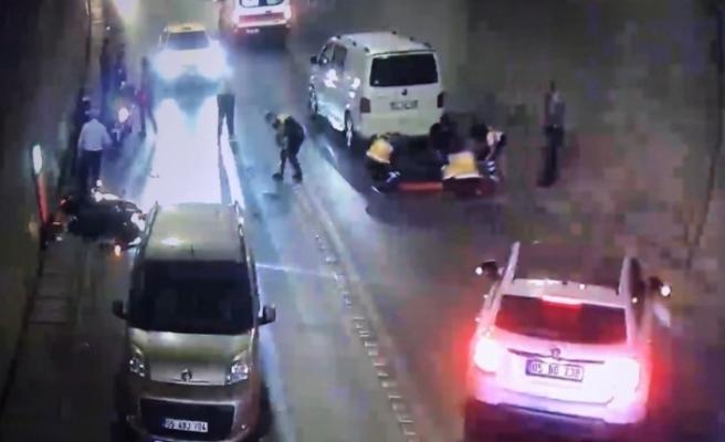 Trafik kazası saniye saniye güvenlik kamerasına yansıdı