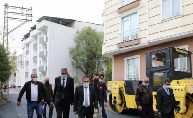 Vali, Belediye Başkan vekili Öksüz, asfalt çalışmalarını yerinde gördü