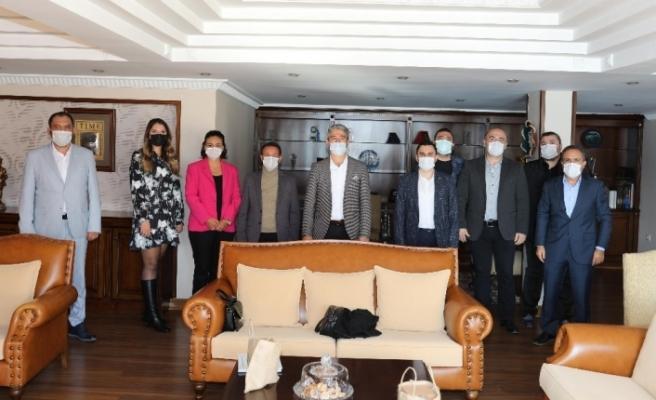 AK Parti heyeti Başkan Oktay ile görüştü