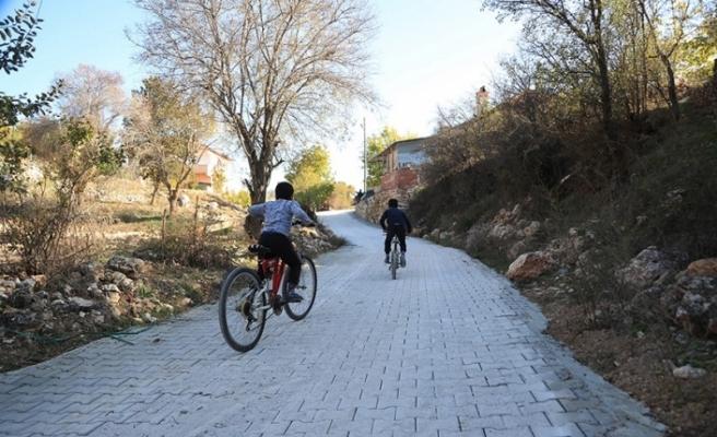 Akçapınar'ın sokakları yenilendi