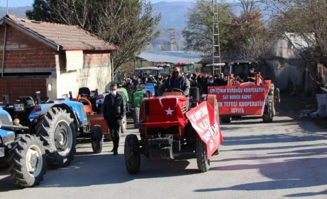 Amasya'da çiftçiler traktörlerin haczedilmesine tepki gösterdi