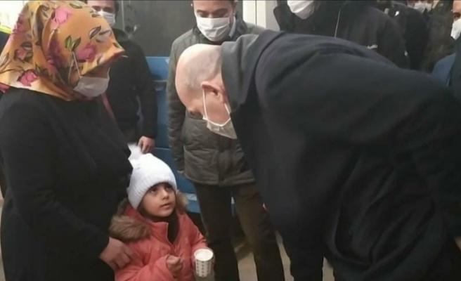 Bakan Soylu Yüksekova esnafını gezdi